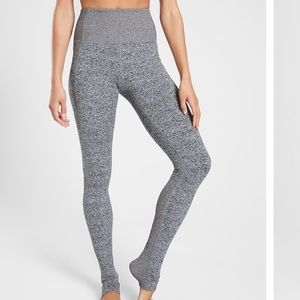 Athleta Exhale Stash Pocket Heel Tight